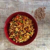 Elleboog pasta met gehakt en groenten